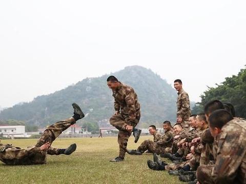 2021年秋季入伍的新兵,练就过硬的军事素质,会遇到这8大机遇