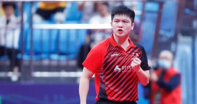 樊振东4-0横扫梁靖崑,距离全运会男单金牌仅一步之遥