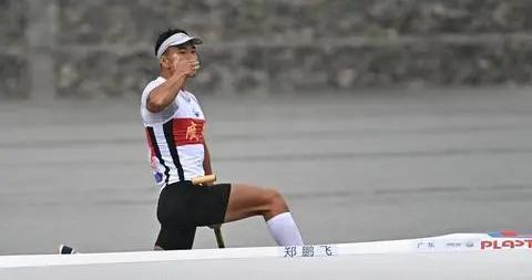 全运会-皮划艇静水男子1000米单人划艇决赛:郑鹏飞夺冠