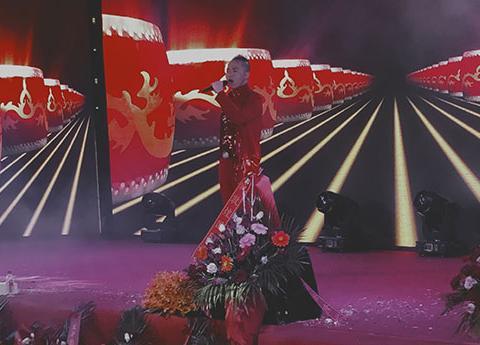 歌唱家鲁朝阳《爱中华爱国家》荣获全球华语流行音乐金曲榜单曲奖