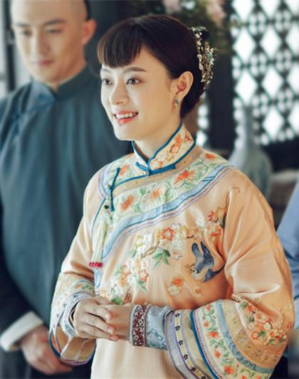 39岁孙俪杂志大片曝光,颜值回春,却被说越来越像邓超