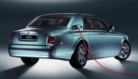 """劳斯莱斯发布""""历史性公告"""":介绍首款纯电动 SUV 面世日期等"""
