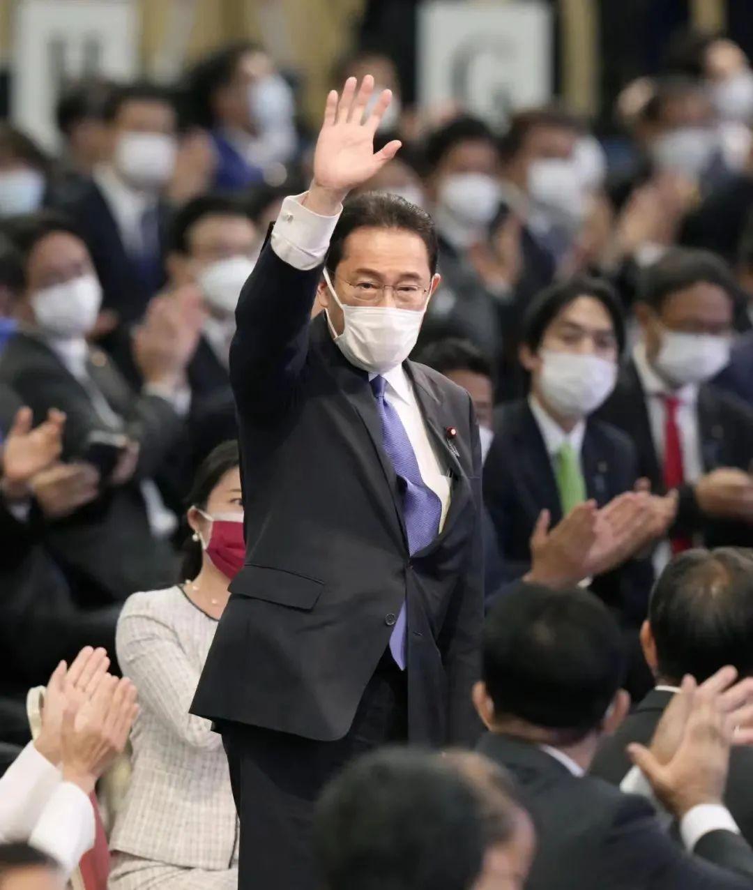 ▲当地时间2021年9月29日,日本东京,岸田文雄当选日本自民党总裁,将任第100任首相。图/IC photo