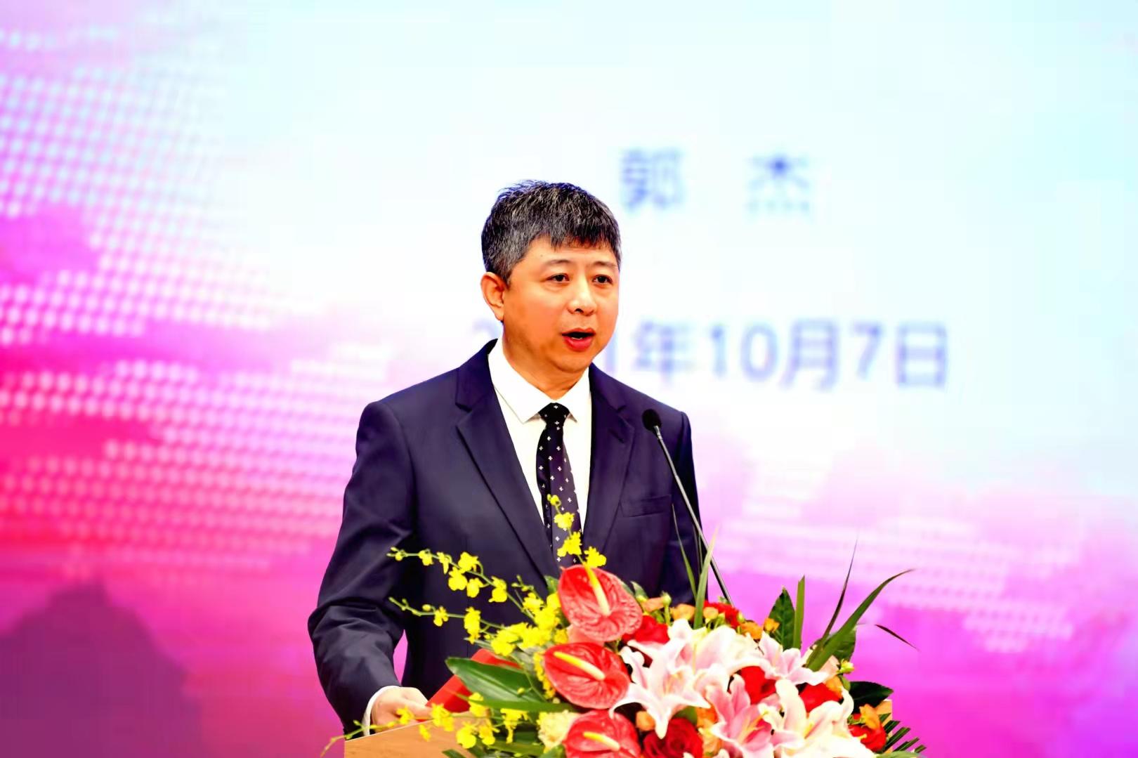 北京汇文中学校长郭杰