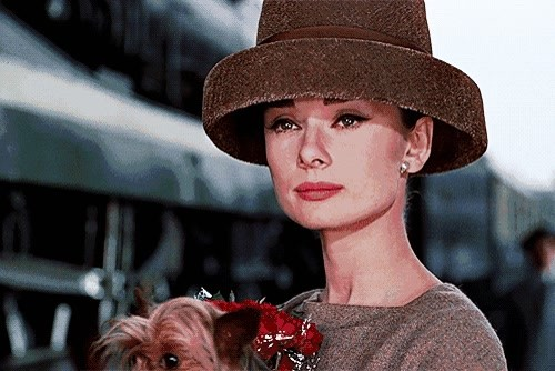 拯救秋季大风天,你需要一款时髦帽子,曾之乔沈月都在用它凹造型