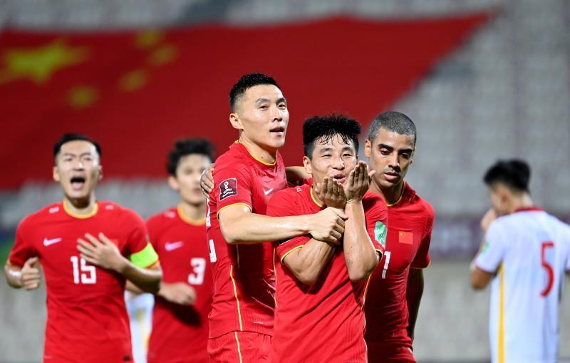 记者:国足今天下午飞沙特吉达 陈戌源鼓励球员打好对沙特的比赛!
