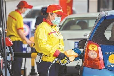 油价持续攀升 企业迎接大考