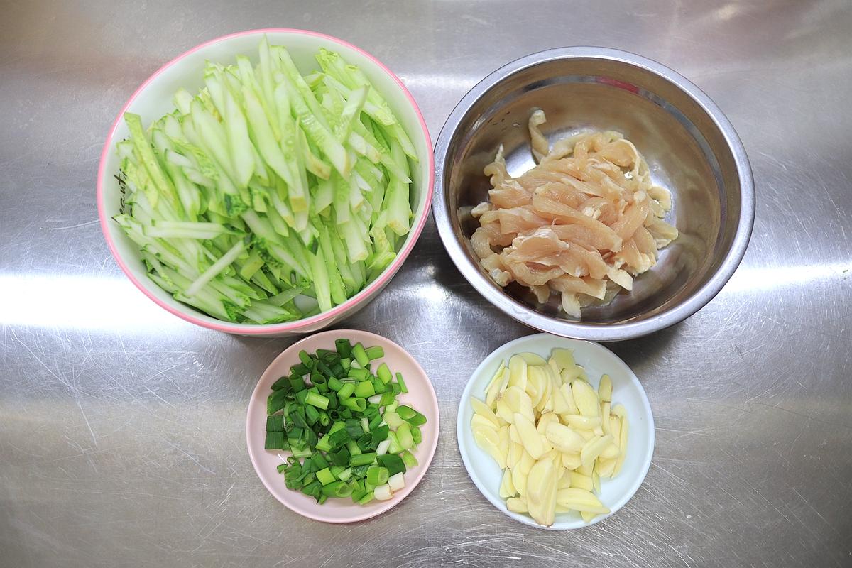 黃瓜別總是生啃涼拌,完美撈麵鹵麵CP,香飄滿屋省時有滋味