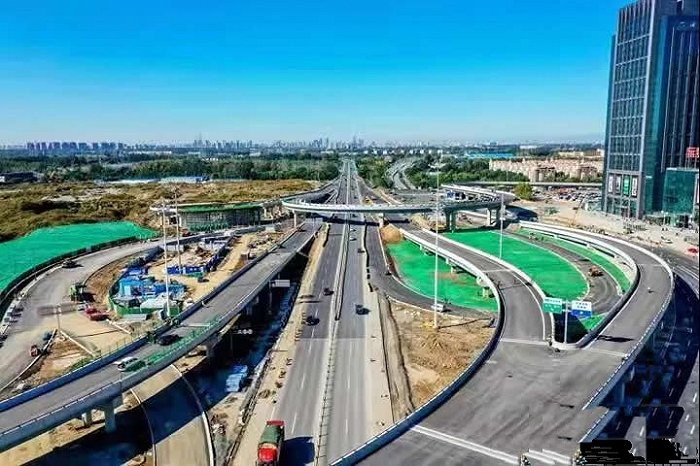 廊坊三河市燕郊西出口立交枢纽项目正式通车