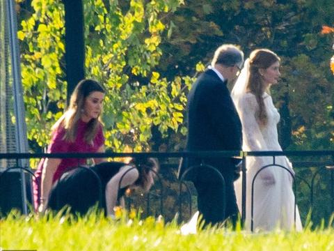 LV三太子以及比尔盖茨女儿结婚,有钱人的婚礼,就像是童话一般