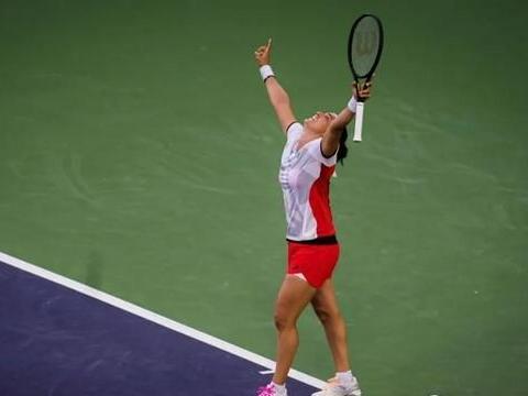 WTA和ATP前10里来了两位新同学,认识一下贾巴尔和胡尔卡奇?