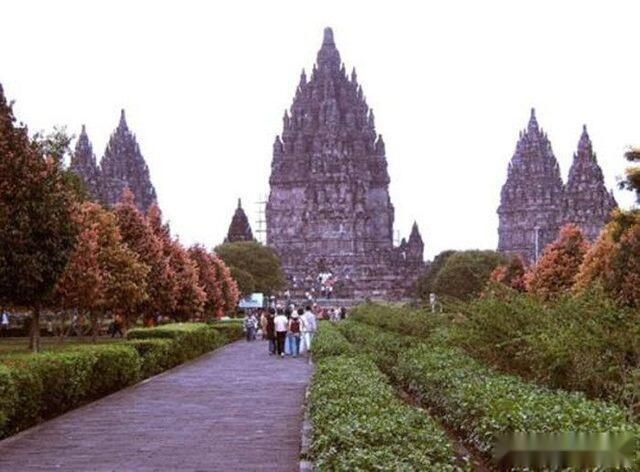 世界最牛的日落胜地,印尼最大最美的寺庙,普兰巴南寺庙