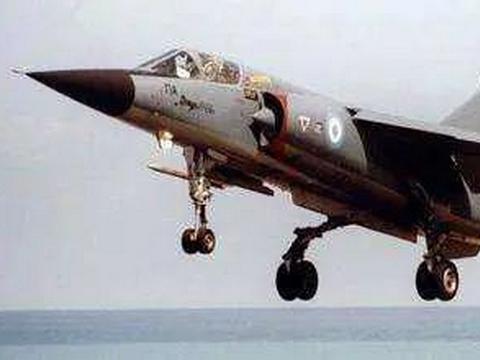 """幻影家族中的另类战机,""""备胎""""逆袭转正——法国幻影F-1战斗机"""