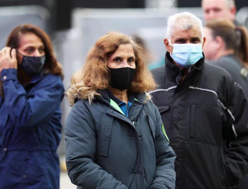 """英国新冠感染率、死亡率飙升,约翰逊""""不防疫政策""""还能维持多久"""