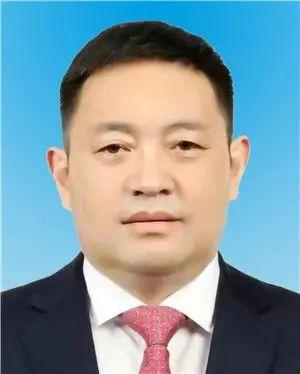 嘎玛泽登、肖友才任西藏自治区党委常委