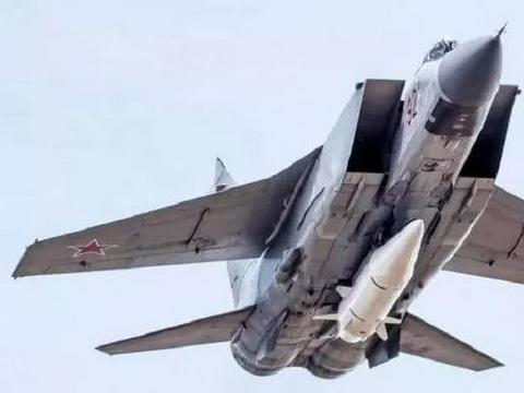 世界顶级空射弹道导弹:匕首射程超过2,000公里,速度10马赫!