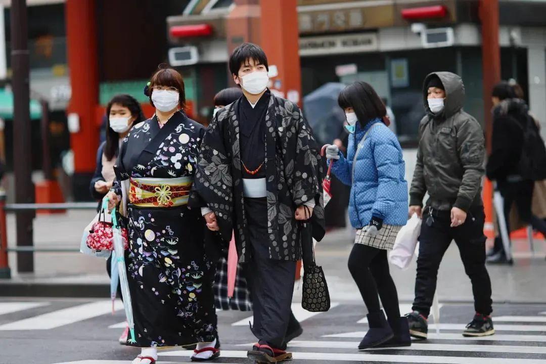 疫情下的日本(原料图)