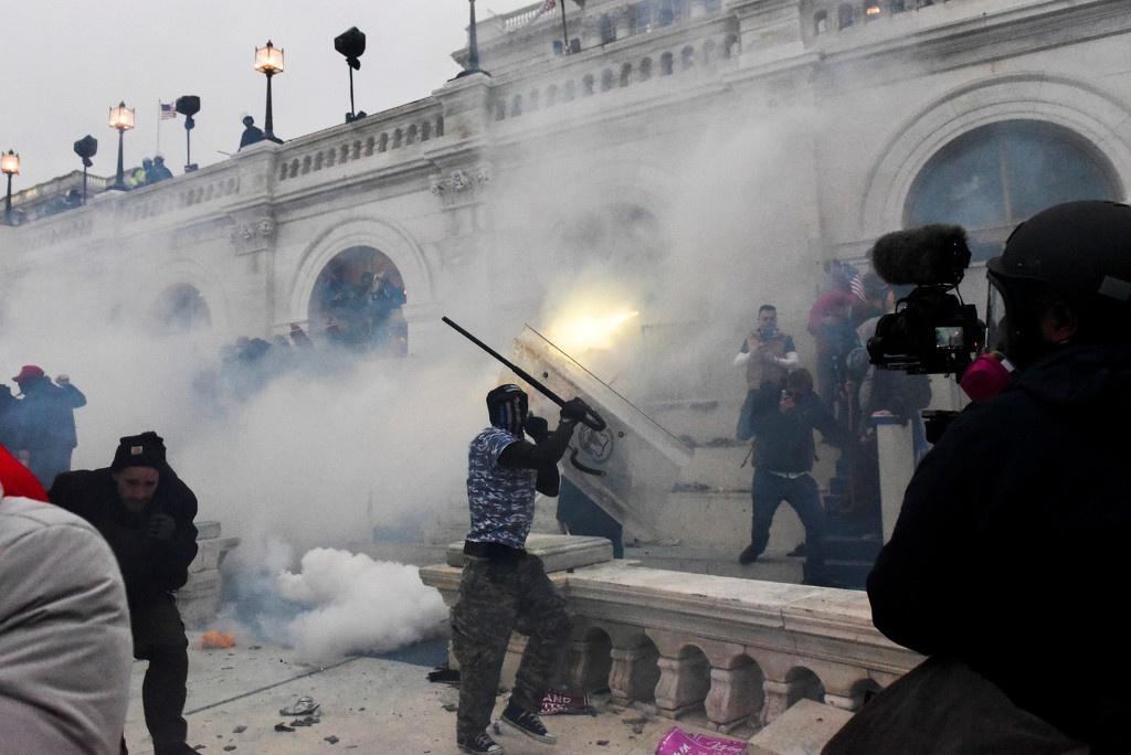 当地时间1月6日,美国国会大厦发生骚乱