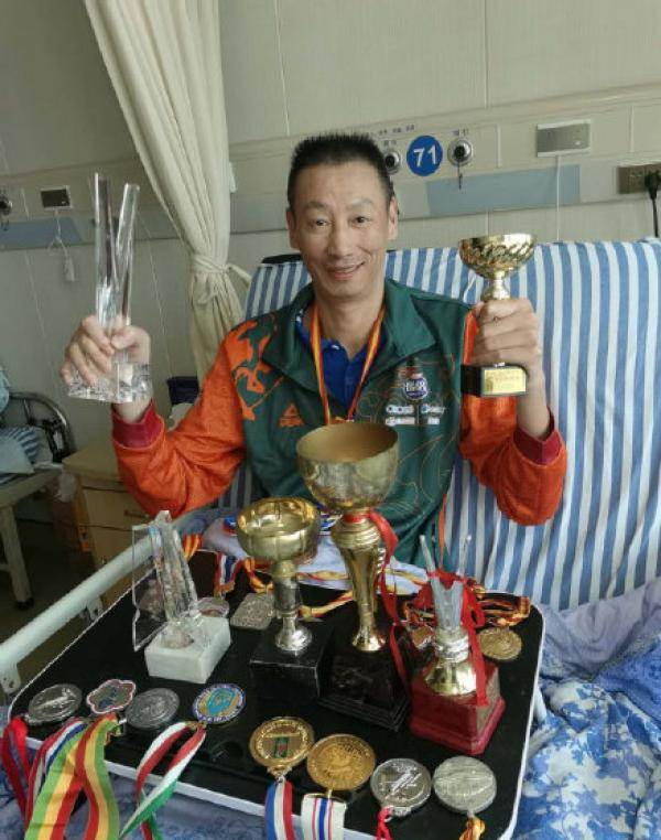 郑亮是中国男排名宿。