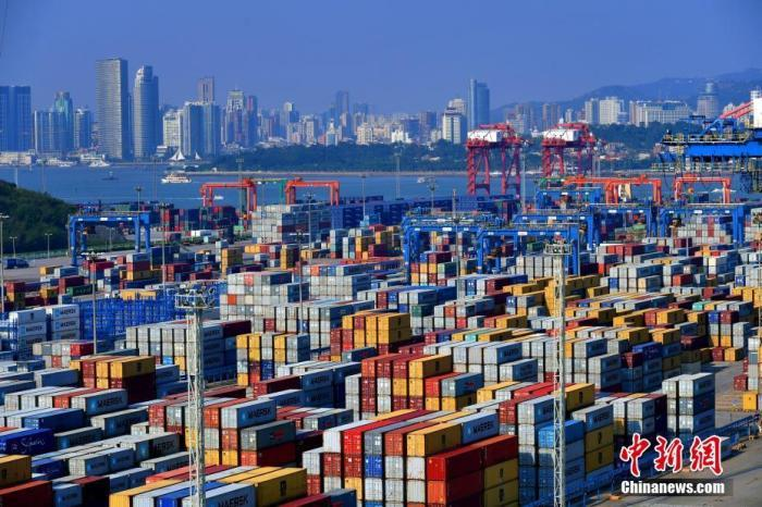 资料图为厦门港海沧集装箱码头。 中新社记者 王东明 摄