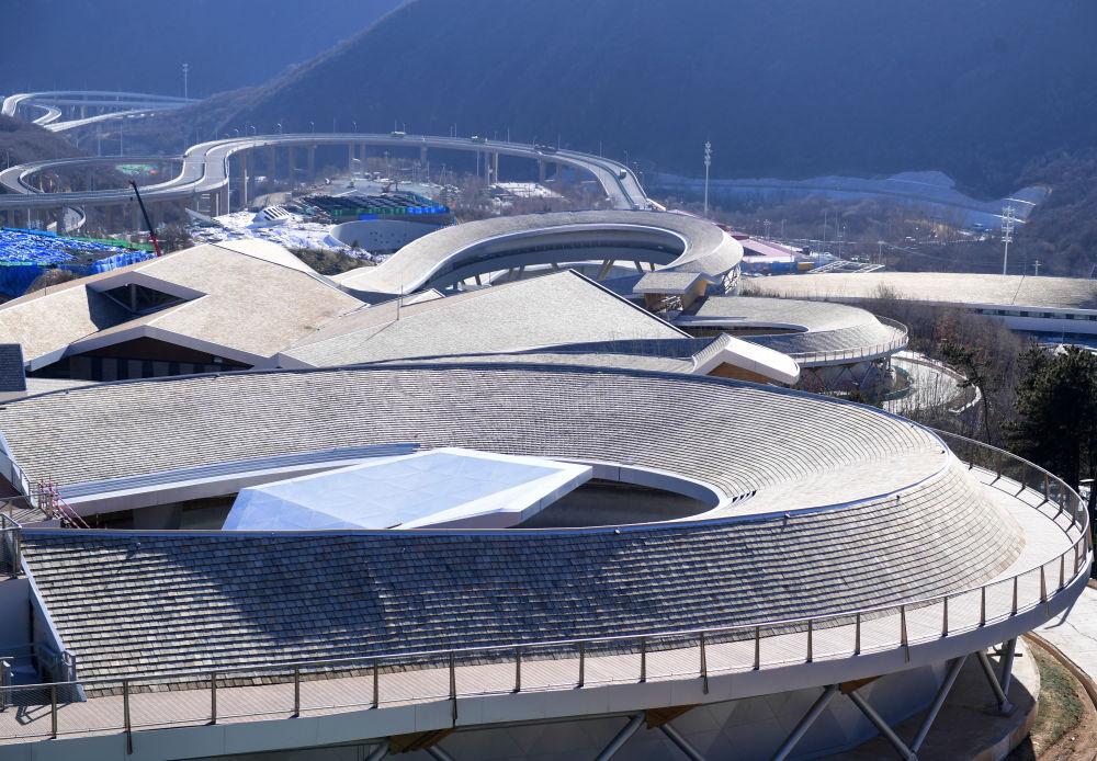 2020年12月29日,北京2022年冬奥会延庆赛区国家高山滑雪中心、国家雪车雪橇中心、延庆冬奥村及山地新闻中心四大场馆完工。新华社记者 张晨霖 摄