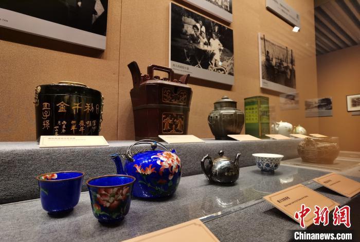 """上海市历史博物馆推出""""老上海饮食文物展"""""""