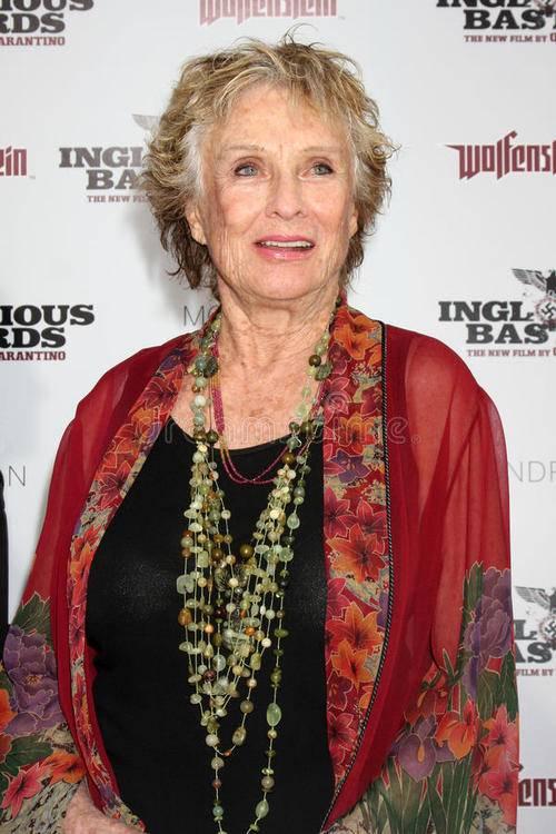 """94岁""""美剧女王""""克劳斯·利特曼去世,一生曾获九次艾美奖"""
