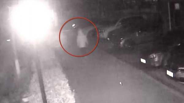 捡到奔弛钥匙 他偷车又弃车竟是因为…