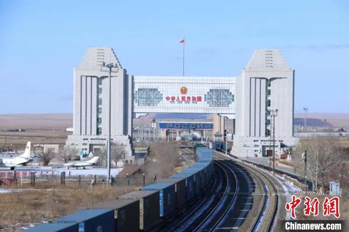 中国最大陆路口岸2020年中欧班列同比增长超三成