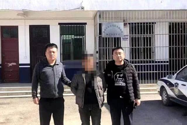 「网上在逃人员钟某回家过年被民警抓获」的圖片搜尋結果