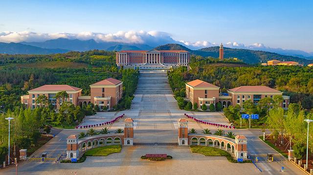 云南大学发力引进海外青年人才 满足条件者可获200万房补