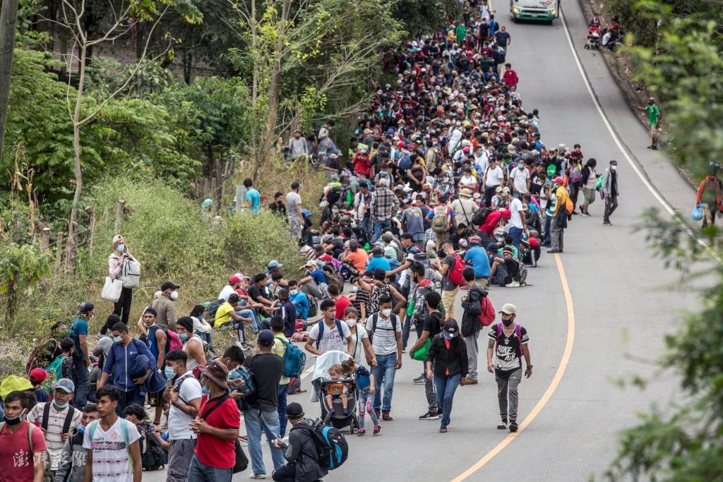 今年1月,浩浩荡荡的洪都拉斯移民大军向美国挺进 澎湃影像