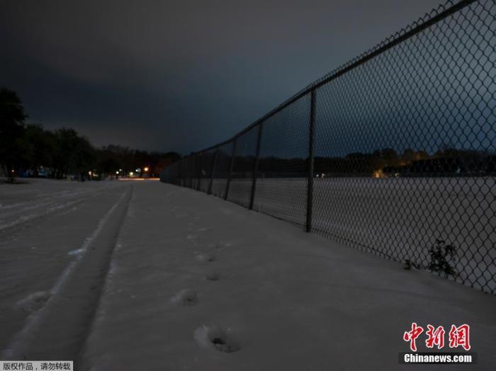 美得州11岁男孩被冻死 其母向电力公司索赔1亿美元