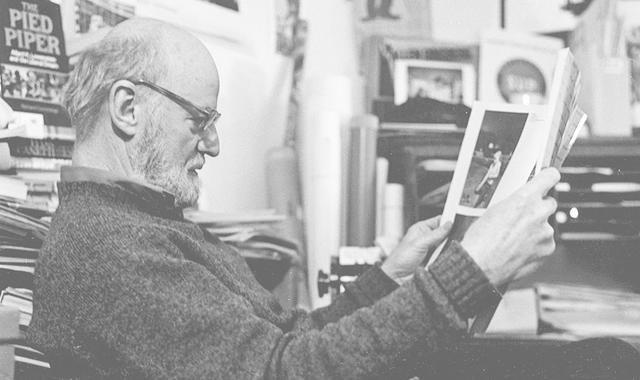 垮掉派诗人劳伦斯-费林盖蒂去世,享年101岁