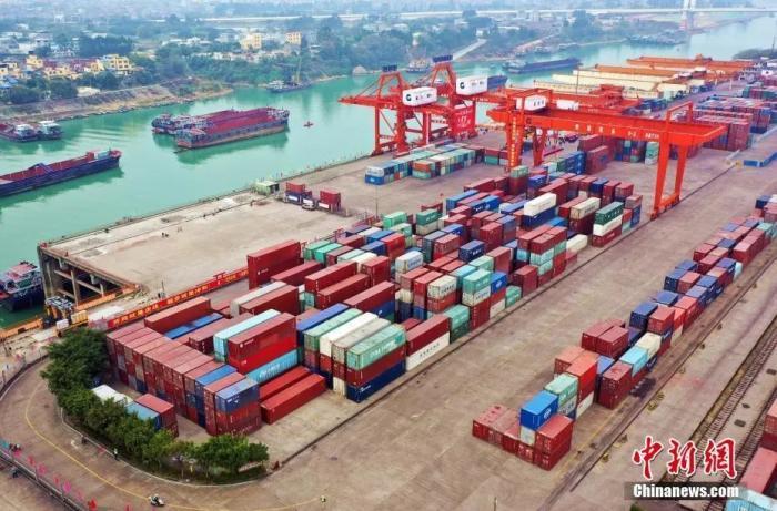 资料图:港口。中新社发 熊耀章 摄