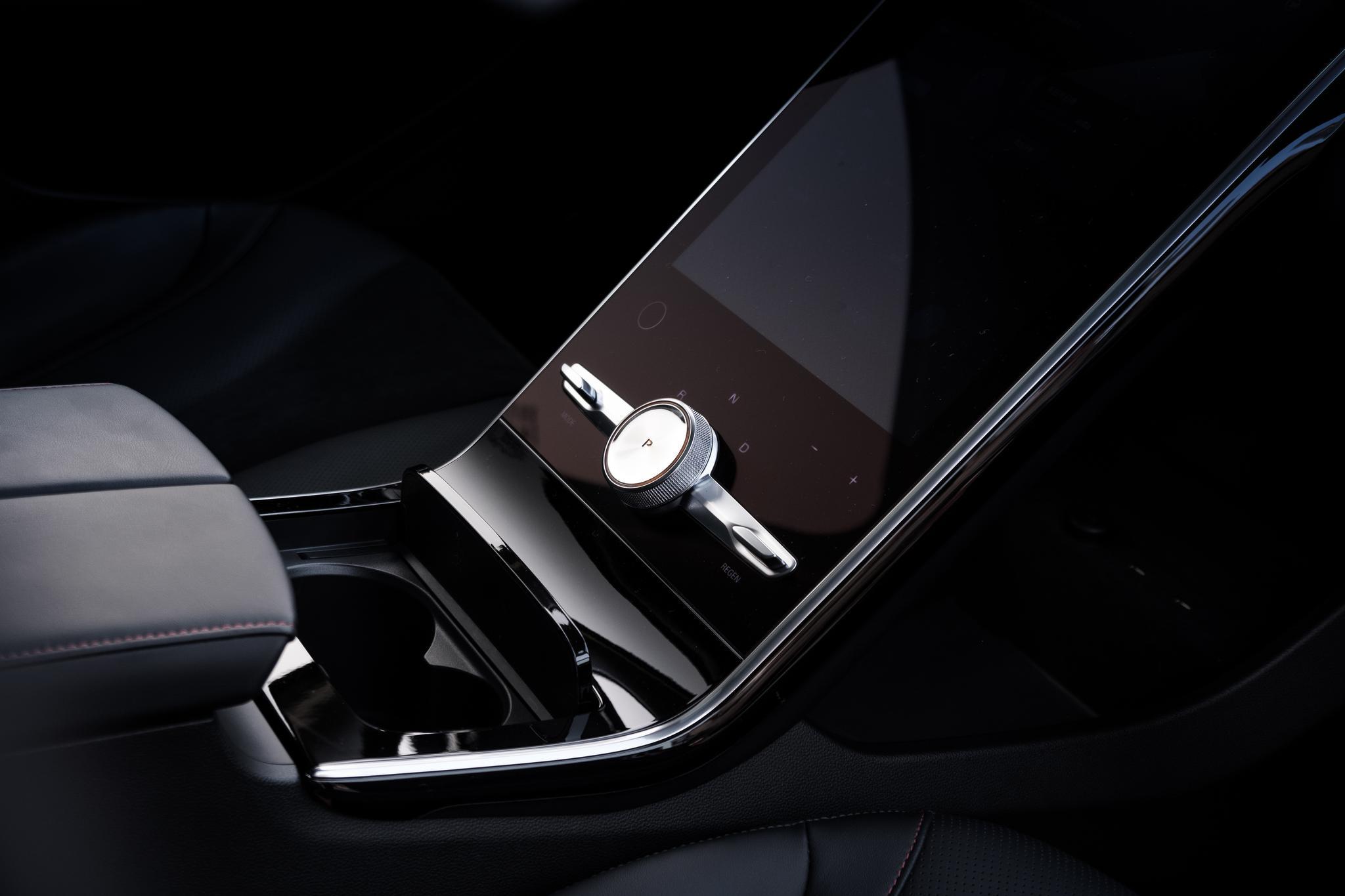 真5G智能电动车 上汽R汽车MARVEL R今日上市