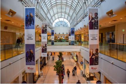 ▲ 拉德芳斯老牌购物中心四季商业中心,兴建于1981年,经历两次重大调改,如今以其多元化业态与品牌而著称,日均接待客流仍保持10万以上的高位。