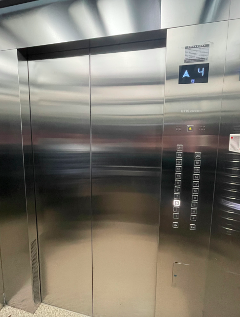 """停用多年的电梯换新,北京朝阳光熙门北里北区如何啃下""""老大难""""?"""