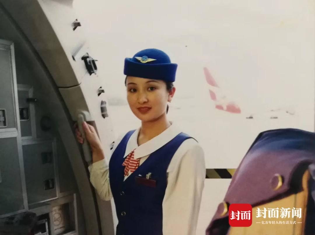 川航首位飞到退休的乘务长杨帆:26年坚持我的热爱,见证我国民航业发展