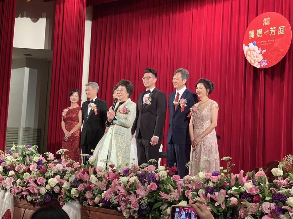 吕秀莲转向!祝福朱立伦下次当台湾地区领导人