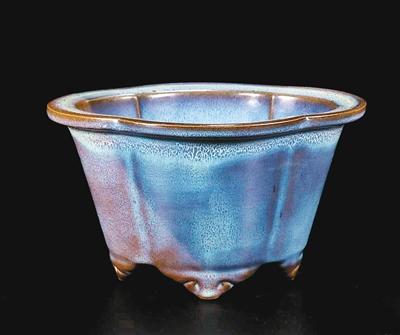赏釉瓷花盆 品炉钧风采