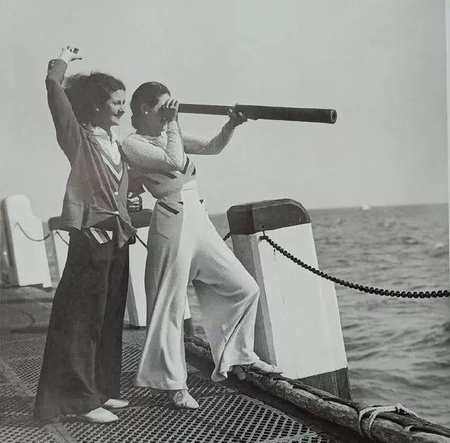 1940年代的高腰阔腿裤