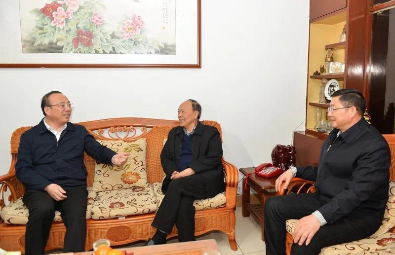 安庆市委书记张祥安看望老同志张世云