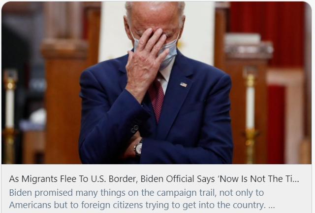 """大批移民前往美墨边境,拜登政府官员称""""现在还不是时候""""。推特截图"""