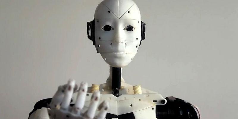 钛米机器人签约鸟巢:一款覆盖数百医院的消毒机器人 又走进体育场