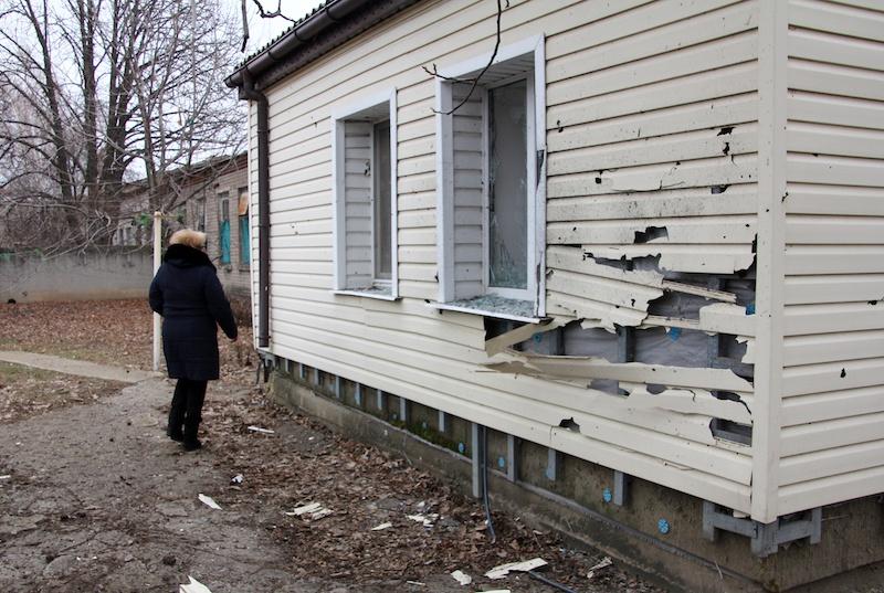2021年2月25日,顿涅茨克西南20公里处的Yelenovka村,被乌克兰武装部队炮击的房子