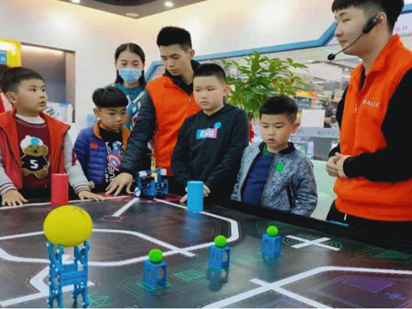 精彩瞬间公开!2021数字中国创新大赛·青少年AI机器人赛道火热进行中!