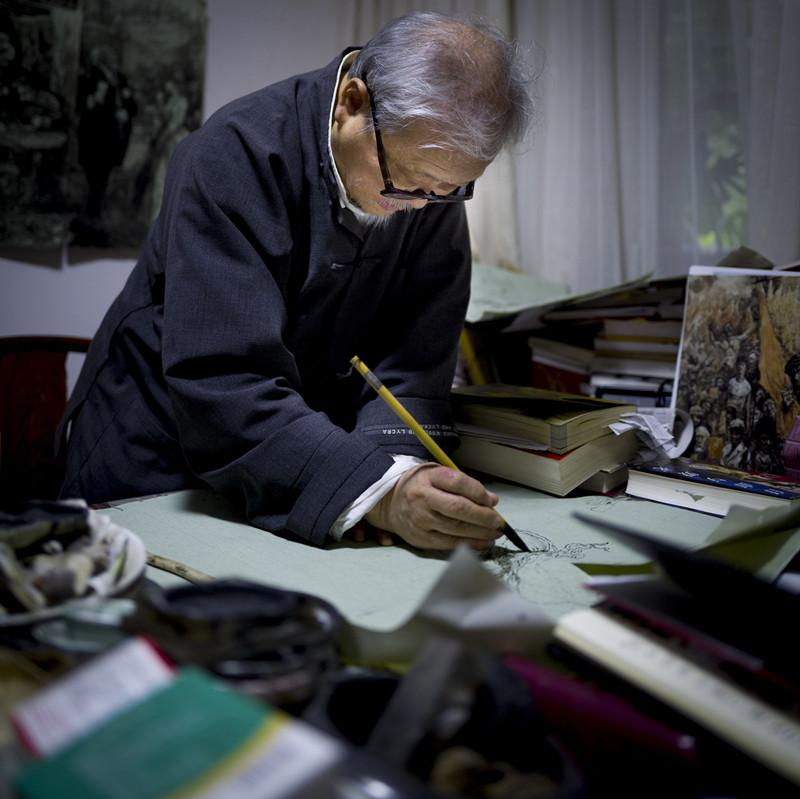 他为英文版《红楼梦》配图,使之在海外流传,也曾图绘《资本论》,如今作品捐给上海交通大学成立戴敦邦艺术研究中心