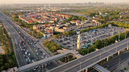 百联奥特莱斯广场上海青浦 15周年庆典来袭