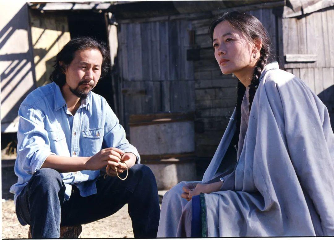 ▲在谢飞执导的电影《黑骏马》中,腾格尔饰演了男一号。